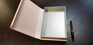 Cutie de lux cu magnet pentru accesorii (model 6080)