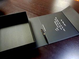 Cutia de lux cu magnet pentru costume de baie (model 6084)