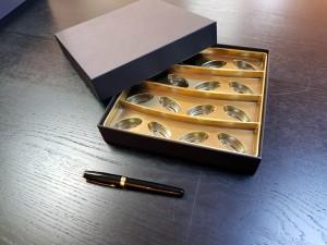 Cutie rigda cu capac pentru praline - 1 Cutie rigda cu capac pentru praline