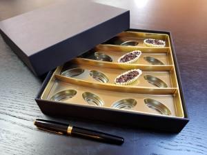 Cutie rigda cu capac pentru praline - 3 Cutie rigda cu capac pentru praline