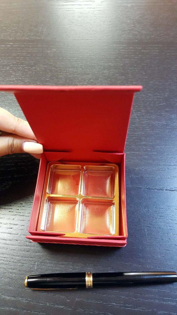 Cutie rigida cu magnet pentru 4 praline-bomboane - 2