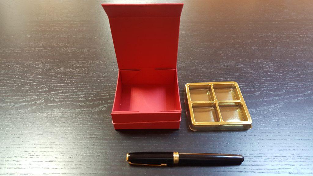 Cutie rigida cu magnet pentru 4 praline-bomboane - 5