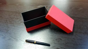 Cutii cu gat din carton rigid - 5 Cutii rigide cu gat (guler)