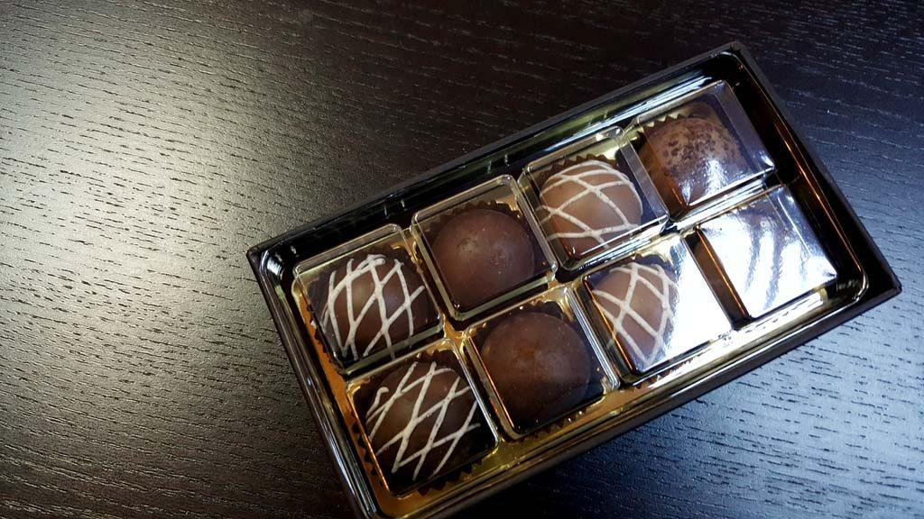 Cutie pentru 8 bomboane - 3