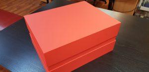 Cutie cu gat pentru cadouri speciale