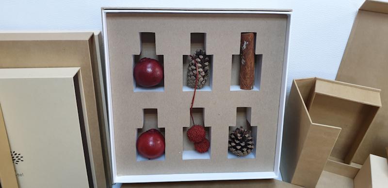 Cutii rigide materiale reciclate 2_edited